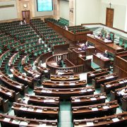 PiS chce wyeliminować z Sejmu partie poniżej 15 proc. Kukiz: to powrót komuny