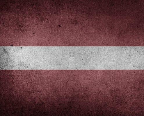 Flaga Łotwy, foto: pixabay.com