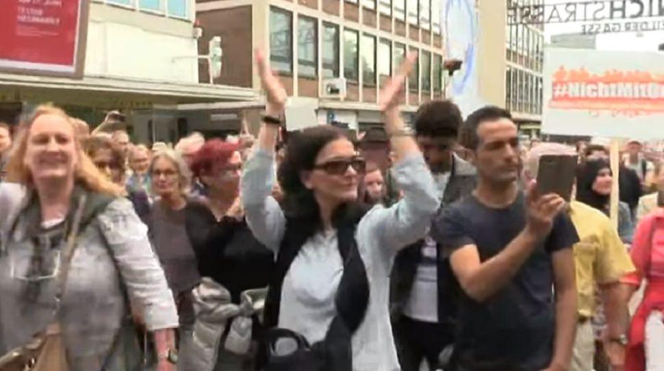 Marsz muzułmanów, foto: youtube.com