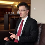 Peter Szijjarto szef MSZ jednego z krajów Grupy Wyszehradzkiej, foto: wikimedia.org