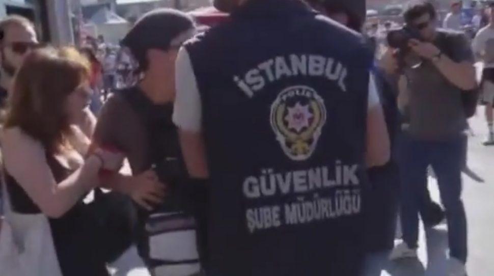 Parada równości rozpędzona w Stambule, foto: youtube.com