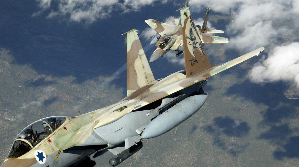 Izraelskie myśliwce F-15, foto: wikimedia.org
