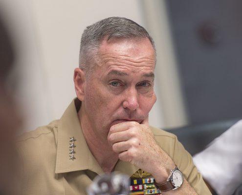 """Generał Joseph Dunford USA zadeklarował """"żelazną więź"""" z Japonią"""