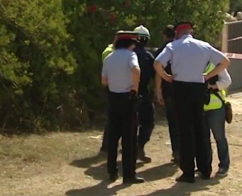 Policja podczas przeszukiwania ruin kryjówki terrorystów