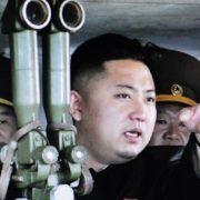 """Korea Płn. grozi """"bezlitosnym uderzeniem"""" w odpowiedzi na amerykańskie manewry"""