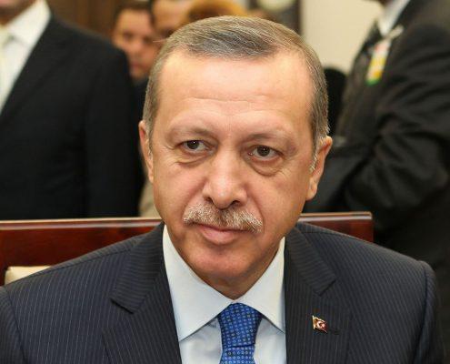 Erdogan wezwał Turków w Niemczech do głosowania przeciw Merkel
