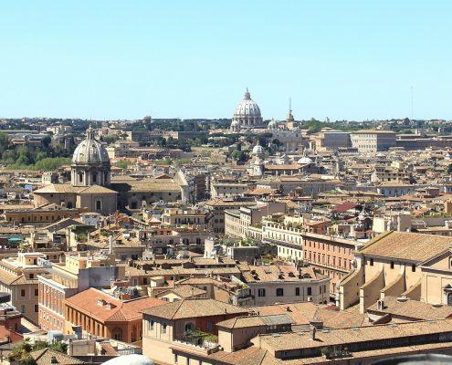Podniesiono poziom zabezpieczeń w Rzymie i Mediolanie