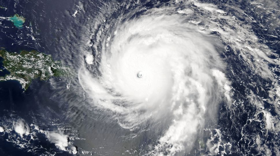USA: Tysiące osób zadeklarowało strzelanie do huraganu aby go zawrócić