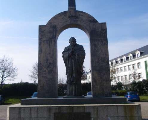 Pomnik Jana Pawła II w Ploërmel, foto: wikimedia.org