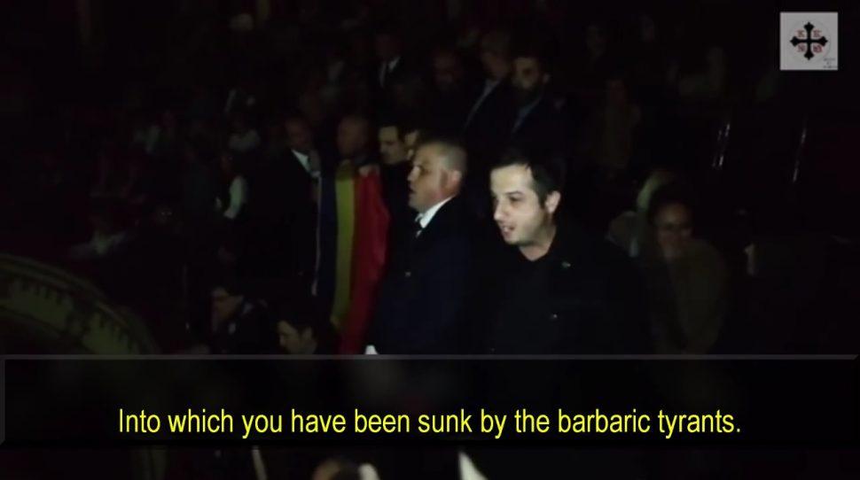 Rumuni zagłuszyli hymnem muzułmanina wzywającego do modłów w teatrze [+VIDEO]