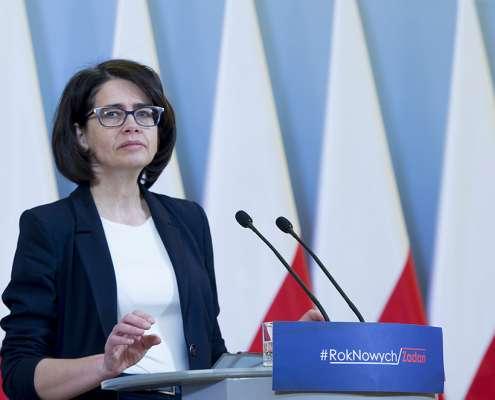 Streżyńska zapowiada 24-godzinne sądy za hejt i Facebook podległy polskiemu prawu
