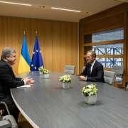 """Poroszenko spotkał się z Tuskiem i chwali go za """"odpowiedzialne stanowisko"""""""