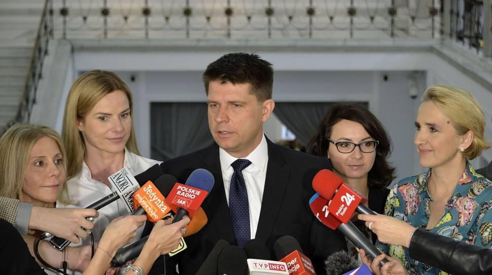 Nowoczesna nie pozwoliła na potępienie rewolucji październikowej w Sejmie