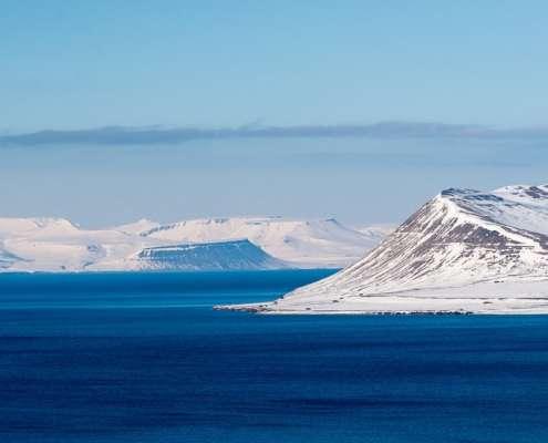 Norwegia: Wydobyto wrak rosyjskiego śmigłowca z dna oceanu