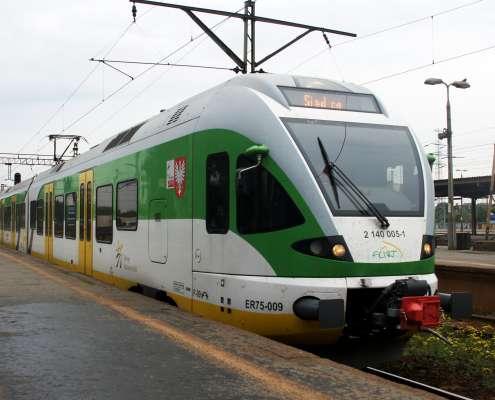 Koleje Mazowieckie kupią od szwajcarskiego Stadlera pociągi za 2,2 mld zł