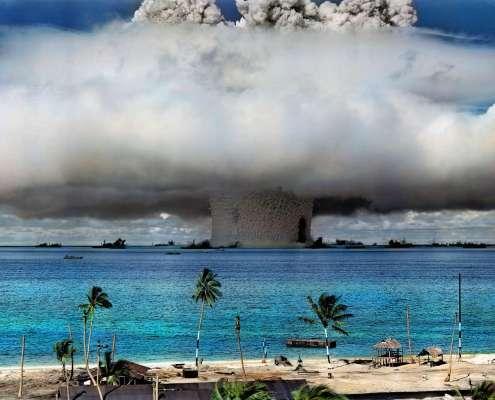 1946 r., próba nuklearna w Atolu Bikini na Wyspach Marshalla, zdjęcie zostało pokolorowane, fot. US Government, via flickr.