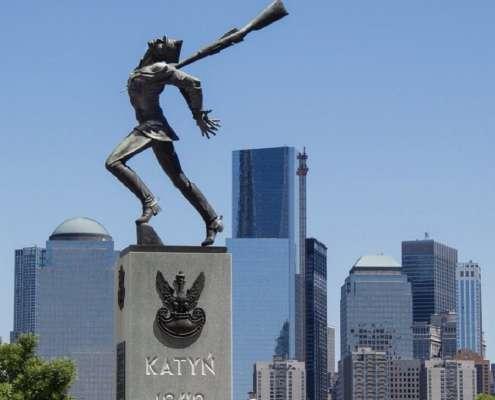 pomnika katyńskiego