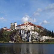 Klasztor Benedyktynów w Tyńcu, źr. Wikipedia